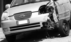 Auto mit schwerem Unfallschaden